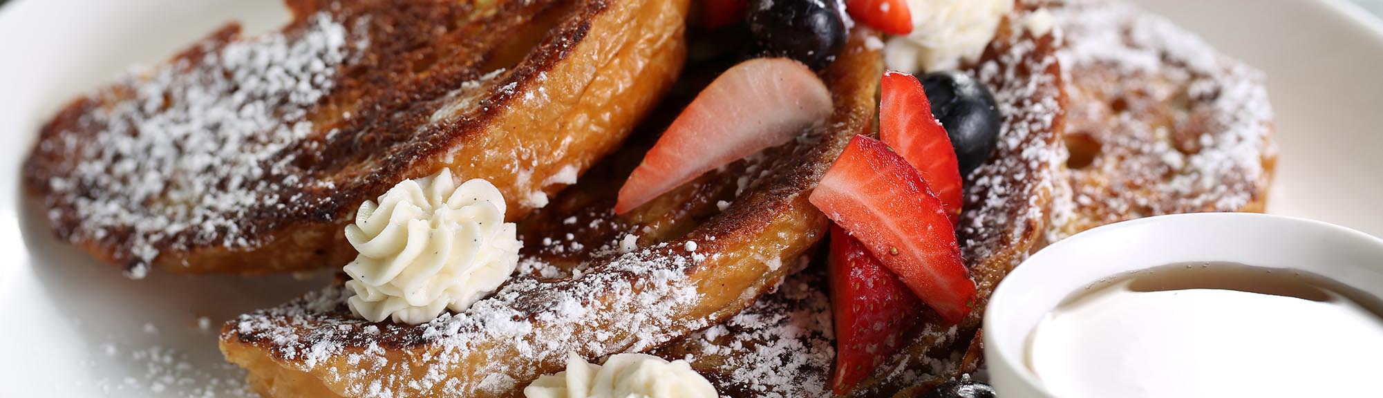 french toast with powdered sugar